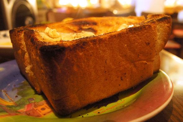 厚いトースト