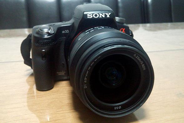 ソニーの一眼レフカメラ「α33」