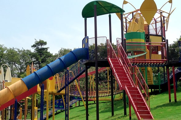 萩谷総合公園の大型遊具
