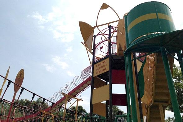 全長40mのローラーすべり台