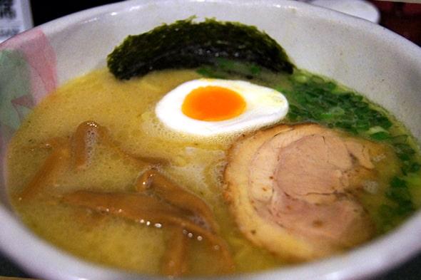 らーめん武蔵の鶏そば(塩味)