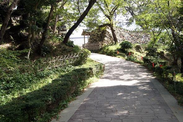 浜松城へ続く坂