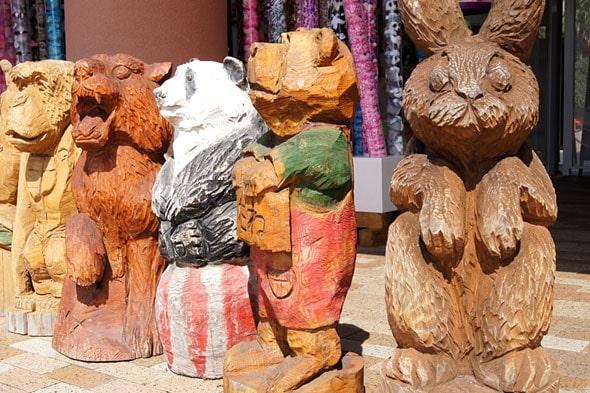 木彫りの動物