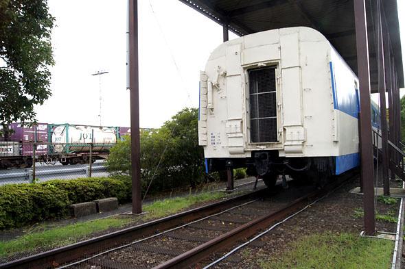 新幹線の後ろ