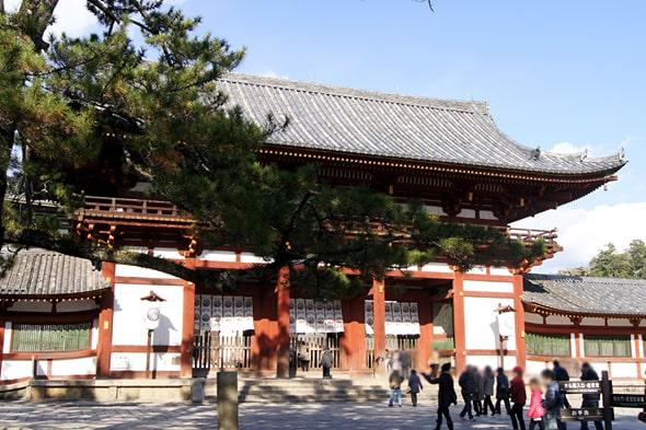 東大寺中門