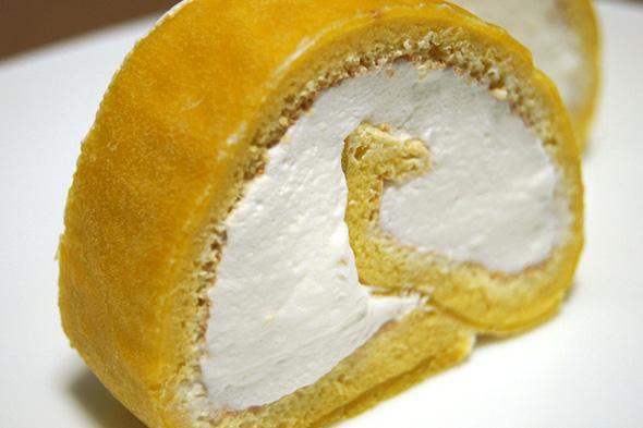 手作りロールケーキの完成