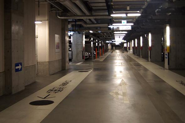 グランフロント大阪の地下にある駐車場