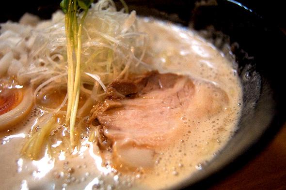みつ星製麺所の濃厚ラーメン