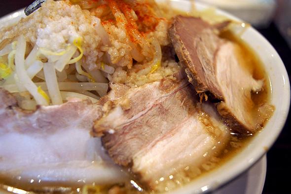 大阪にぼ次朗の煮干しラーメン