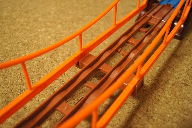 つり橋のレール