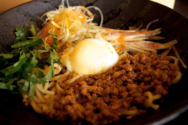 麺厨房 華燕の汁なし担々麺