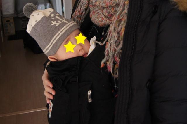 エルゴベビーの抱っこ紐でニット帽