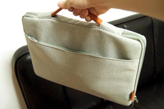 取っ手付きのノートパソコン用バッグ
