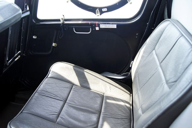ヘリコプターの座席