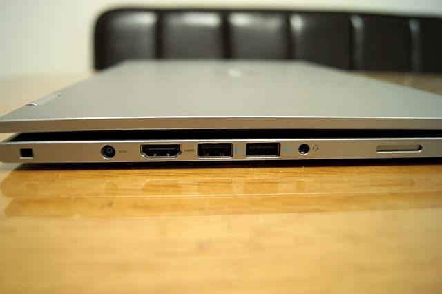 USBポートなど