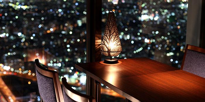 【新宿】極上の夜景とディナーが楽しめるレストラン10選