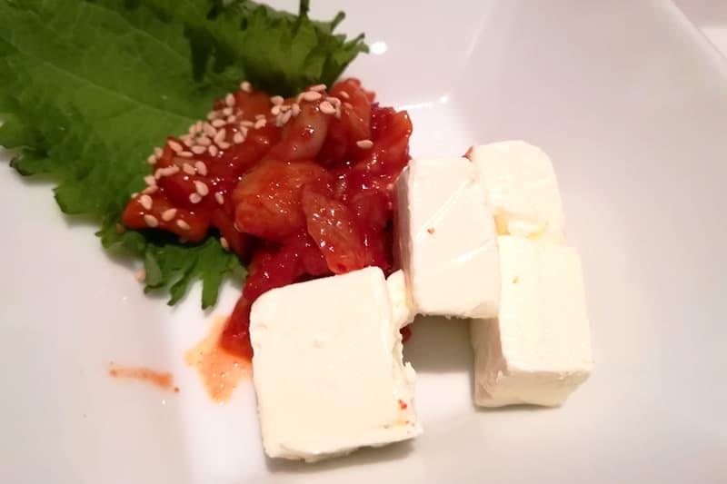チャンジャとクリームチーズのピリ辛和え