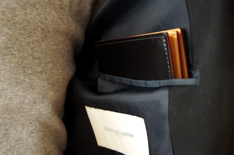 上着に入れた財布