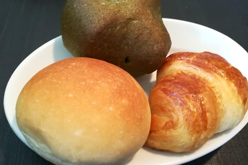 焼き立てのパン食べ放題