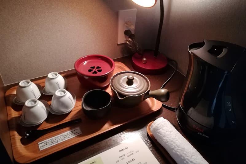 お茶を入れる道具