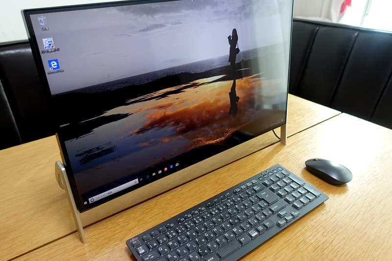 液晶一体型デスクトップパソコン