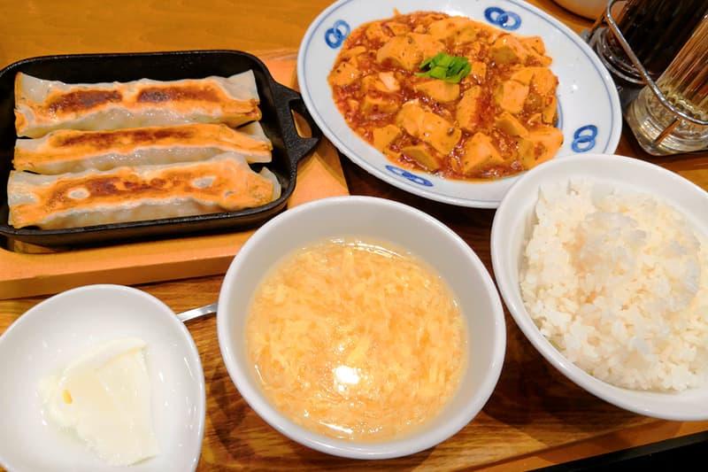 麻婆豆腐と鉄鍋棒餃子のセット