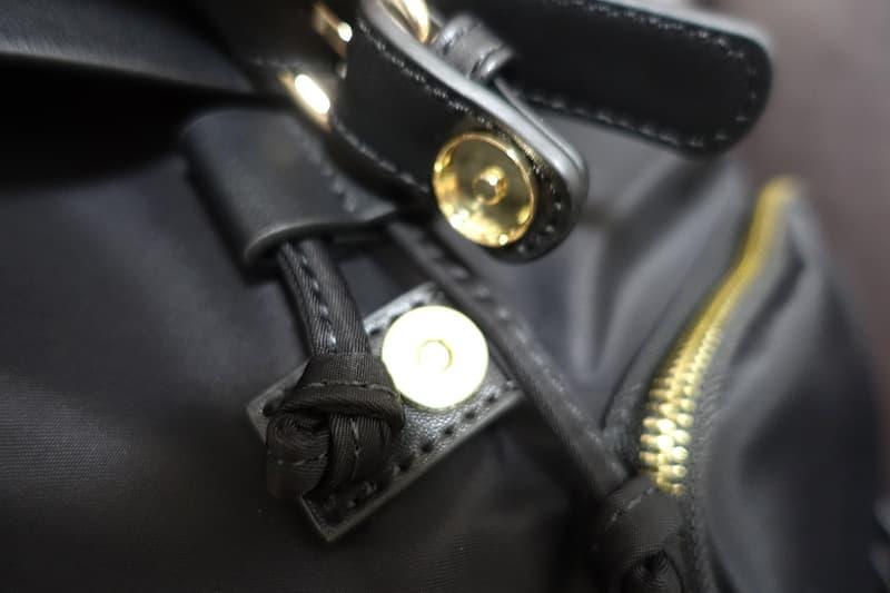金属製フックボタン