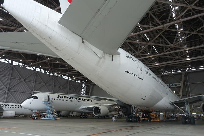 JALの飛行機の翼