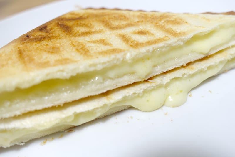 チーズのホットサンド