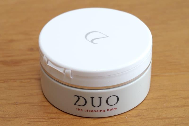 DUOクレンジングバームの容器