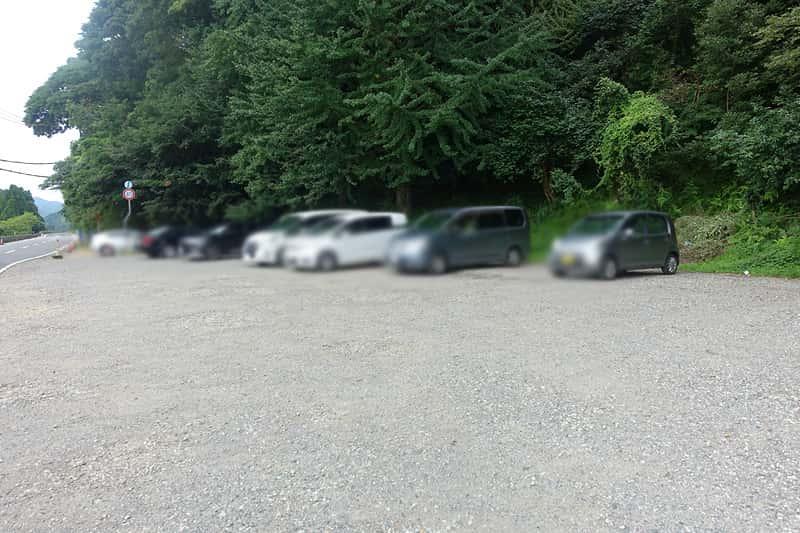 玄武洞ミュージアムの駐車場