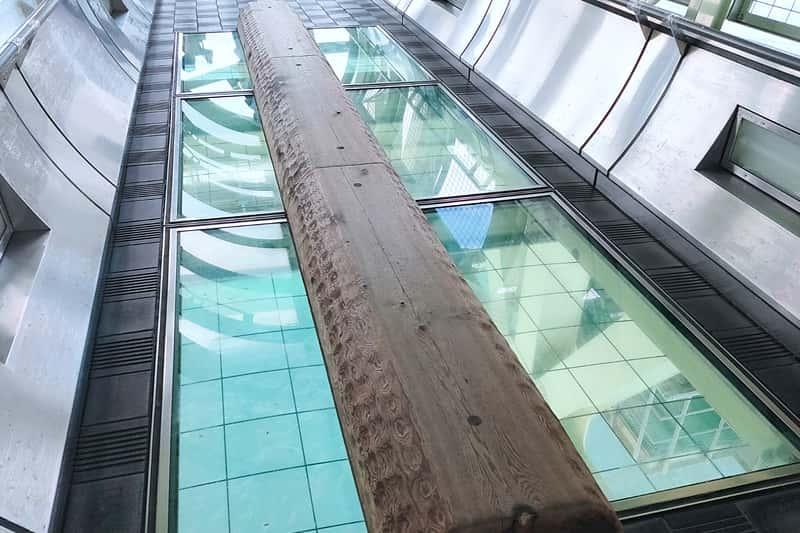 舞子海上プロムナードの丸木橋