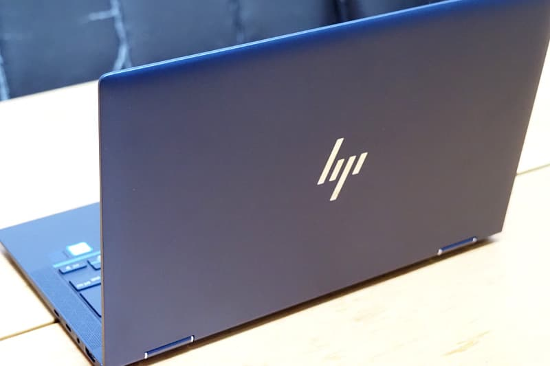 HP Elite Dragonflyの背面