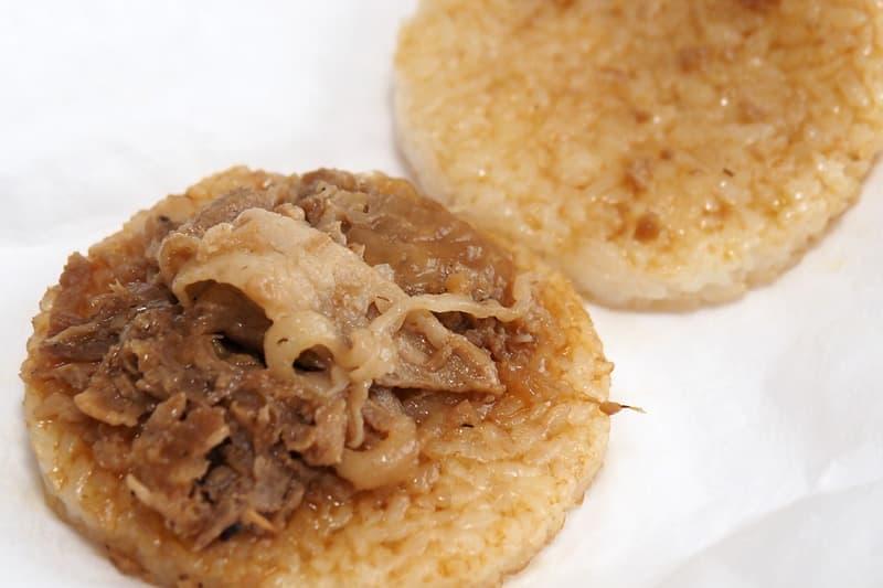 豚生姜焼ライスバーガー