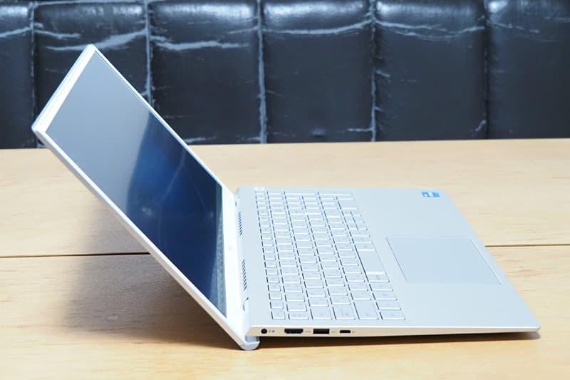 Dell New Inspiron 15 5000(5502)傾斜