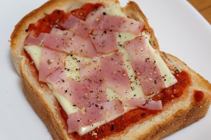 イギリス食パンのピザトースト
