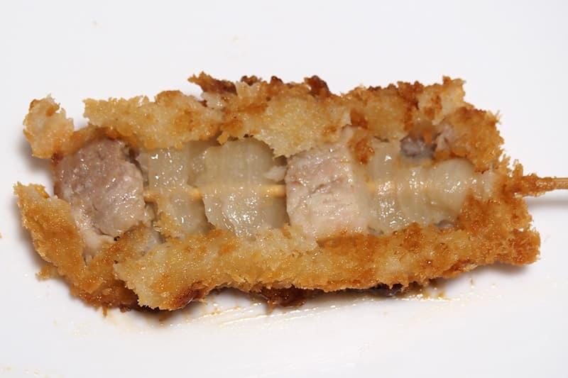 串カツの豚肉とたまねぎ