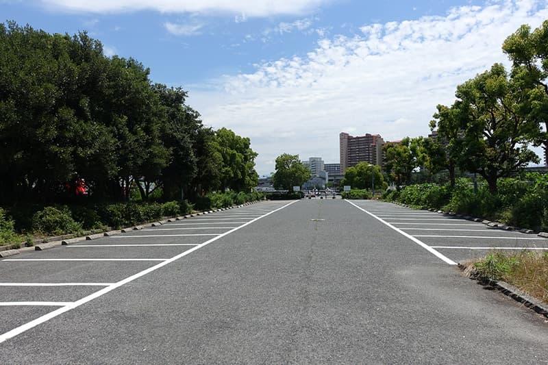なぎさ公園の駐車場