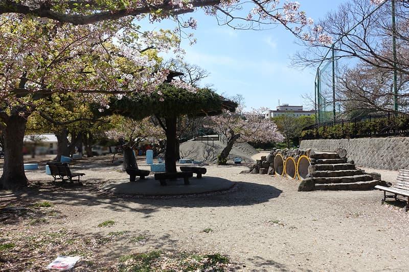 兵庫県明石公園の子ども広場