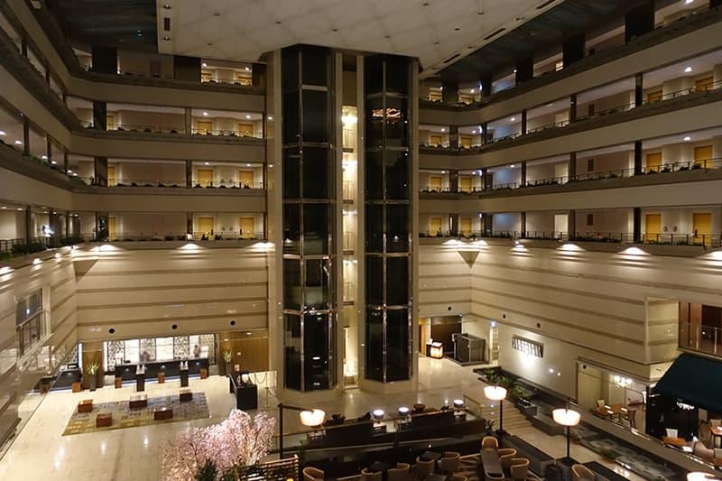 京都ブライトンホテルのロビー