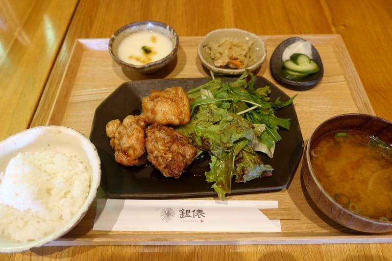 近江米粉の唐揚げ定食