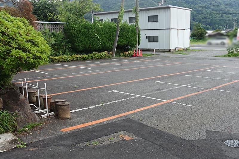 信楽陶芸村の駐車場