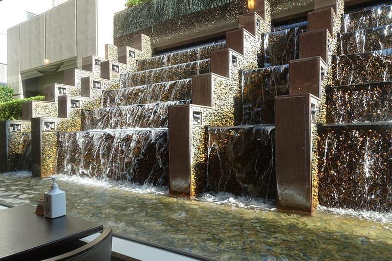 名古屋東急ホテルの滝
