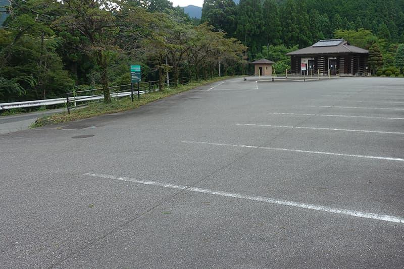 縄文公園の駐車場
