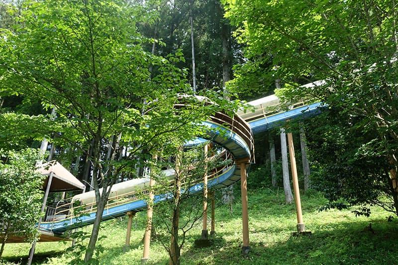 下呂温泉合掌村の森の滑り台