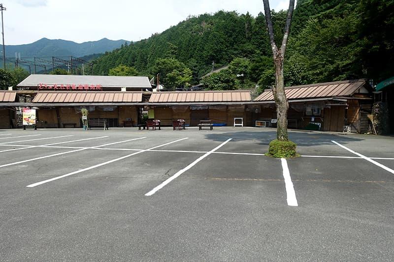 下呂温泉合掌村の駐車場