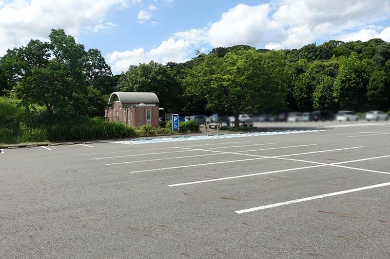 大高緑地の駐車場