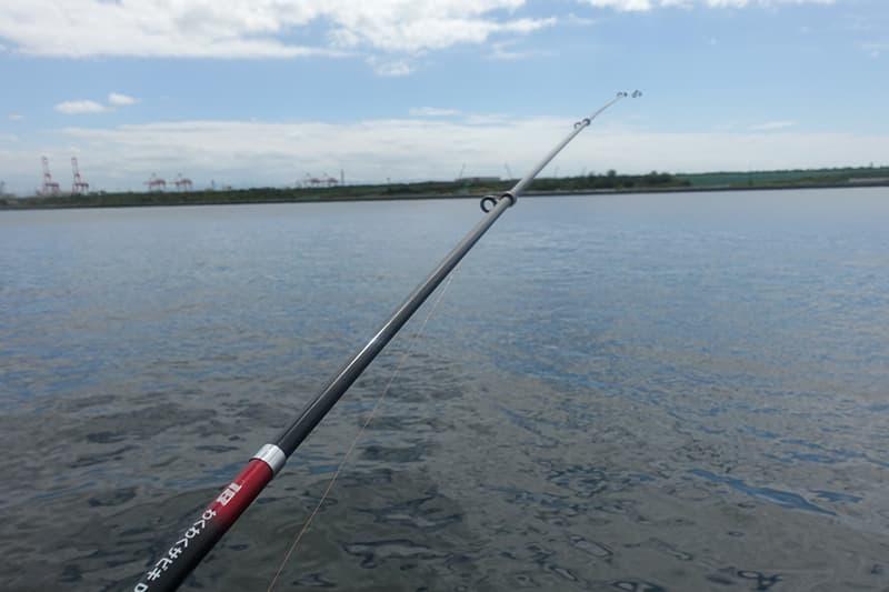 舞洲シーサイドプロムナードで釣り
