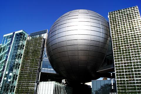 名古屋市科学館のプラネタリウムドーム